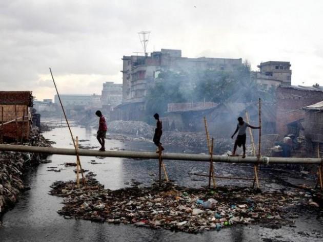 Poluare rau copii toxic lumea a treia