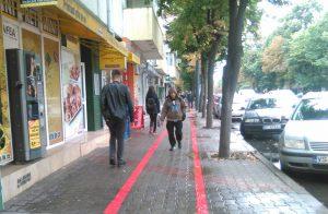 piste-biciclisti-trotuar-trecatori-oameni-strada-vaslui