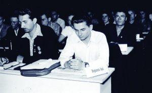 Ion Iliescu la o adunare a Uniunii Tineretului Comunist, sfârșitul anilor '50.