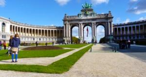 Parcul și Palatul Cinquantenaire a fost construit pentru expoziția națională din 1880 care aniversa centenarul independenței Belgiei