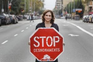 Ada Colau Stop desnonaments