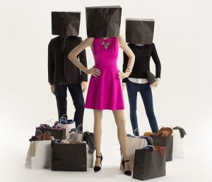 Moda cumparaturi haine fashion imbracaminte