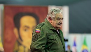 Jose Mujica uniforma