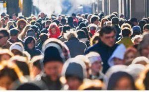 oameni-strada-demografie-trecatori